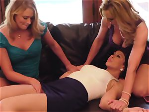 SEXYMOMMA - sizzling mommy smashes and pops with two honeys