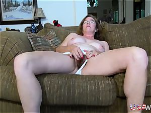 USAwives hairy grannie Pusssy torn up With fuckfest toy