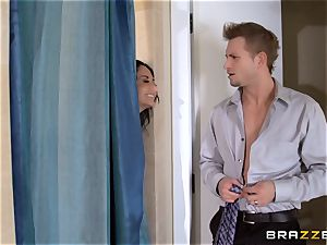 ginormous titted Ava Addams cheats in the shower