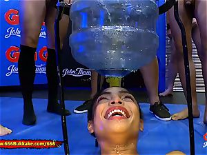 Luna Corazon In pissing Arena - 666Bukkake