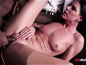 red-hot wife India Summer ejaculating on a black manhood