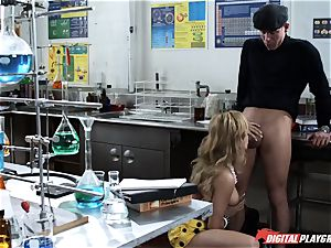 Angelina wants a intimate lesson on privates