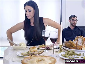 mom bangs sonny And slurps internal ejaculation For Thanksgiving treat