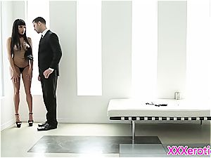 buxom stunner Anissa cunny wedged