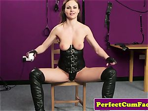 Leather fetish stunner purrfectly nutted on face