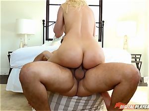 Anikka Albrite wants to be pounded deep in the butt by Keiran Lee