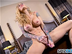tatted thin towheaded Sarah Jessie messes with her honeypot