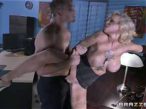 horny assistant Harlow Harrison pummels the chief via his desk