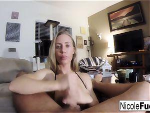 Home vid of Nicole Aniston providing a pov inhale Job
