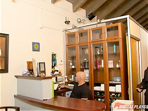 twat packing Eva Lovia in the tanning booth
