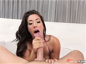 Public scandal Eva Lovia loves to demonstrate off her killer bod