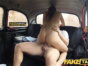 fake taxi super-hot vengeance taxi pulverize for mind-blowing fantastic minx
