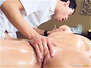 Oily poon massage with Skylar Snow