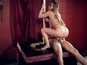 Carter Cruise tucks her fuck-a-thon victims hung salami into her rump