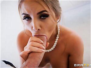 Alessandra Jane monster fuckpole gargling on VR