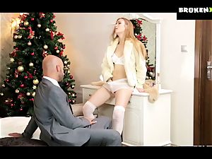 Alexis crystals cock-squeezing puss gets her christmas gift