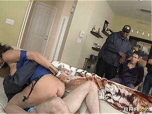 Criminals wife Jessica Jaymes plumbed by a torrid cop
