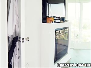 Brazzers minx Ava is a fine cunny cat