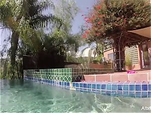 buxom blondes Alix and Cherie go skinny dipping