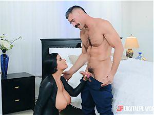 buxomy fetish brit honey Romi Rain sits her honeypot on Charles Dera