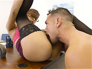 boss Jade Jantzen gargles and romps a phat dicked employee