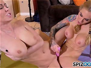 slurping minge eaters Jessica Jaymes and Sarah Jessie