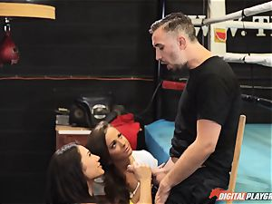 muff plumbing threeway in the boxing ring - Abigail Mac and Eva Lovia