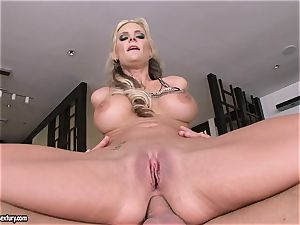 rectal paramour Phoenix Marie juggles her caboose on a big manmeat